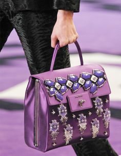 Presenting the Prada Fall 2012 Bag Collection. The impressive collection looks very retro with a modern twist. A large collection of beautiful bags were Prada Tote, Prada Handbags, Purses And Handbags, Purple Handbags, Cheap Handbags, Burberry Handbags, Replica Handbags, Fashion Handbags, Leather Handbags