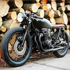 Honda cafe racer Cafe racers scramblers trackers and custom motorcycles The post Honda cafe racer appeared first on Motorrad. Cb350 Cafe Racer, Cafe Racer Honda, Cafe Racers, Cafe Bike, Cafe Racer Bikes, Cafe Racer Motorcycle, Moto Bike, Motorcycle Design, Women Motorcycle