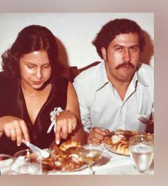 Pablo Emilio Escobar, Don Pablo Escobar, Mafia, Horror, Frases, Couple Drawings Tumblr, Basketball Players, Profile Pics, Raven