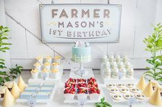 Adorable Farm themed 1st birthday party via Kara's Party Ideas KarasPartyIdeas.com Printables, cake, decor, cupcakes, tutorials, etc! #farmparty #farm #barnyard #barnyardparty #karaspartyideas (14)