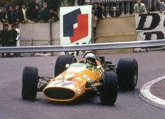Bruce McLaren, Monaco, 1966. McLaren M2B.