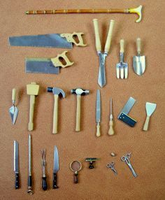 """Wonderful collection of miniature """"tools"""" of all sorts. Wonderful collection of miniature tools of all sorts. Dollhouse Miniature Tutorials, Miniature Crafts, Miniature Houses, Miniature Fairy Gardens, Diy Dollhouse, Miniature Dolls, Dollhouse Miniatures, Victorian Dollhouse, Modern Dollhouse"""