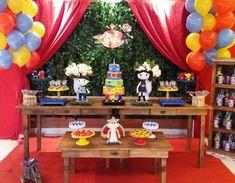 Show da Luna para o 1o aninho da linda Sophia !!  #festainfantil  #festashowdaluna #decoracaoinfantil #decoracao #showdaluna #showdalunaparty #decoracaoshowdaluna #festa #festas #partylovers #party #earthtoluna  #festasinfantispelobrasil #festasinfantis  #cake #cakes #cakeart  #cakelovers  #cakedesign  #errejota #rio #brazil #riodejaneiro