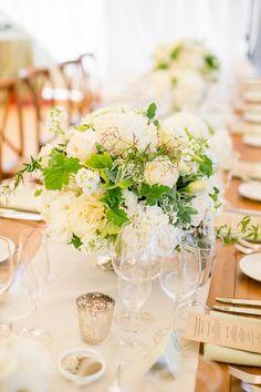 centre de table vintage elegant romantique rustique blanc et vert - green white vintage rustic élégant romantic table center  - just perfect!