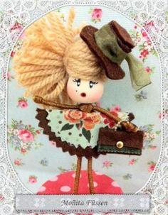 broches muñecas personalizadas  / brooch doll  alambre,fimo,fieltro artesanal,hecha a mano