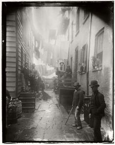 Photo - Bandits' Roost, 1887-88, Jacob A. Riis Collection, Museum of the City of New York
