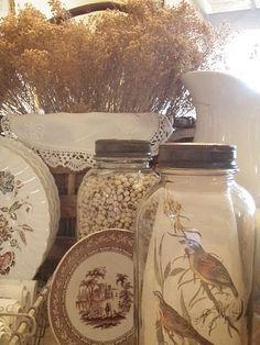 Nice display of mason jars and transferware!*