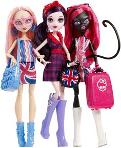 Monster High Ghoulebrities in Londoom : (From Left) Viperine Gorgon, Elisabat and Catty Noir