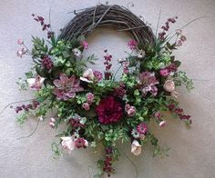 Making a Grapevine Wreath with Kent Harpool Country Wreaths, Fall Wreaths, Door Wreaths, Grapevine Wreath, Christmas Wreaths, Floral Wreaths, Christmas Front Doors, Wreaths For Front Door, Christmas Crafts