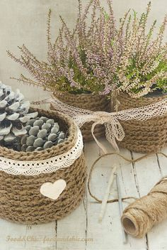 Cestas de chrochet con cuerda - love these - perhaps Cathy can crochet them for me - we can get Matthew to translate :) Crochet Bowl, Love Crochet, Diy Crochet, Baby Food Jars, Crochet Decoration, Home And Deco, Chrochet, Basket Weaving, Crochet Projects