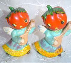 VINTAGE ANTHROPOMORPHIC TOMATO HEAD ANGELS CERAMIC SALT & PEPPER SHAKERS JAPAN