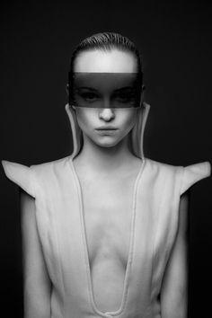 Full Series:http://bit.ly/1kG5RTwPhotographer:Wiktor FrankoStylist:Ewa MichalikDesigner:KnaźModel: Monika Kubiak
