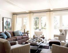 HOME DESIGN INTERIOR: Comfortable Family Room-doors & windows