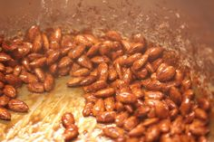 Brente mandler | Matlidenskap.com Beans, Vegetables, Food, Essen, Vegetable Recipes, Meals, Yemek, Beans Recipes, Veggies