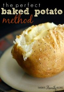 This is the Perfect Baked Potato Method for baking potatoes. A few simple steps makes all the difference in the taste and texture of a baked potato. Potato Side Dishes, Veggie Dishes, Food Dishes, Perfect Baked Potato, Loaded Baked Potato Soup, Baked Potatoes, Cheesy Potatoes, Potato Recipes, Vegetable Recipes