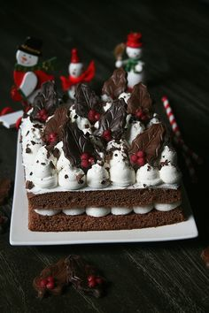 Gâteau au chocolat et fève Tonka, mi-bûche mi-forêt noire pour la battle food Homemade Cakes, How To Make Cake, Frosting, Tasty, Passion, Healthy, Desserts, Moment, Tables