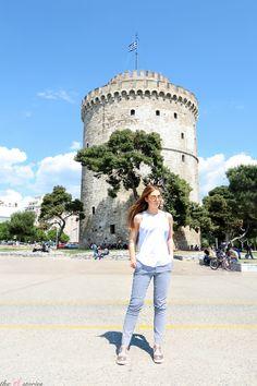White Tower of Thessaloniki - Greece Alexander The Great Statue, Greek Girl, Street Musician, Big Town, Thessaloniki, Beautiful One, Greek Islands, Listening To Music, Athens