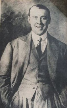 Jorge Newbery. Precursor de la aviación argentina, falleció en un accidente de aviación en 1914. El aeroparque de la ciudad de Buenos Aires lleva su nombre.