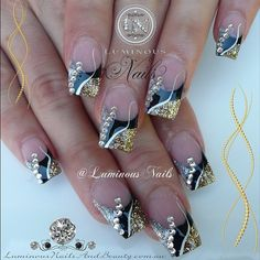 Luminous Nails: Black, Gold & Silver Nails with Bling. Fancy Nails, Bling Nails, Love Nails, Trendy Nails, My Nails, Gold Nail Art, Silver Nails, Acrylic Nail Art, Silver Glitter