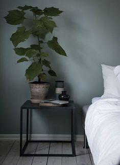 plants in the bedroom. Blue-grey bedroom - via Coco Lapine Design jotun Blue-grey bedroom Blue Green Bedrooms, Blue Gray Bedroom, Grey Bedroom Design, Bedroom Colors, Grey Bedrooms, Trendy Bedroom, White Bedroom, Bedroom Designs, Modern Bedroom