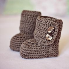 Crochet Baby Booties... @Maria Canavello Mrasek Axlen make these for Josephine :)