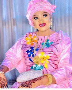African Traditional Wear, African Dresses For Women, Harajuku, Ruffle Blouse, Mens Fashion, Beautiful, How To Wear, Wedding, Basin