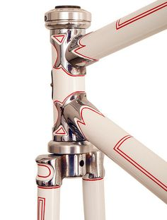 Gorgeous headtube with polished lugs