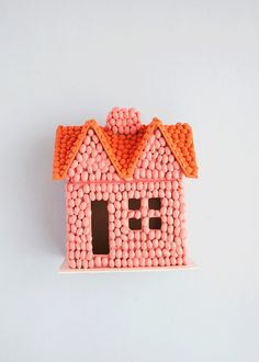 Bean art gets a colorful and modern makeover with a quick coat of paint. These mini houses make the perfect Thanksgiving centerpiece, too! Book Crafts, Crafts To Make, Crafts For Kids, Pasta Crafts, Warm Autumn, Fall, Seed Art, Thanksgiving Centerpieces, Paper Houses
