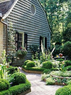 Love attached trellis. Garden Undo the Dry Spell: Gardens and Plants 2