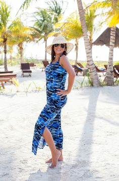@travlfashngirl wearing our 2-piece Maui MAXi dress, which can be separated into a skirt and top.