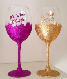 This Glitter Bottom Large Wine Glass can be created in which ever glitter colour you want. These glasses are created with high quality glasses, inks, glitters and glass paint. Once created they are fired for durability, enabling continued use. | eBay!
