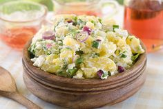 Chef Roblé Ali's Lemon Herb Baby Potatoes With Crab: This cold potato recipe is jam-packed with flavor! Potato Salad No Mayo, Easy Potato Salad, Potato Salad With Egg, Potato Diet, Egg Salad, Salad Recipes Video, Diet Recipes, Healthy Recipes, Eating Raw Potatoes