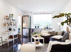 apartment design - decor ideas for small spaces Small Studio Apartments, Small Apartment Design, Studio Apartment Decorating, Tiny Spaces, Small Rooms, Small Space Living, Living Spaces, Studio Living, Dream Decor