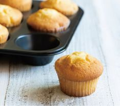 Cupcake Decorating Techniques, Pancake Muffins, Japanese Sweet, Dessert Recipes, Desserts, Food Photo, Food Styling, Cooking Tips, Tea Time