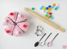 Little Things Blogged: {Crochet Cake}