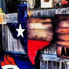 This is a custom piece we made for Old Chicago Restaurants in their Texas location. Every piece of wood is hand cut and this has a great look! High quality paint aged and stained. Approximately 3 ft high by ft wide Texas Signs, Texas Flags, Texas Flag Decor, Diy Wood Projects, Wood Crafts, Diy And Crafts, Woodworking Projects, Texas Crafts, Wood Flag
