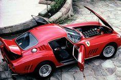 Platz 4: 1964er Ferrari 275 GTB/C Speciale. Versteigert am 16. August 2014. Höchstgebot: 26,4 Millionen Dollar. Anzahl gebauter Fahrzeuge dieser Art: 12.