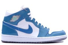 136085-140 Air Jordan Retro 1 White Carolina Blue Patent Leather White University Blue - http://www.fuquaysportsshop.com/air-jordan-1-c-289_290_293.html