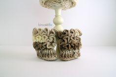 #Crochet ruffled baby booties free pattern @bhookedcrochet