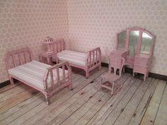 "Vintage Tootsie Toy Metal Dollhouse Bedroom Furniture in Pink - 1/2"" Scale"
