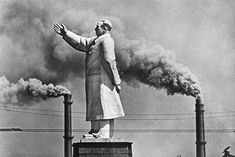 Statue of Mao, Wuhan, China 1971 by Marc Riboud