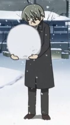 I don't know why it is so cute that a 28 year old man is building his first snowman... Maybe it is just because he is Usagi-san <3 (Junjou Romantica)