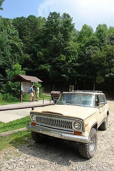 Full Size Jeep Cherokee Chief