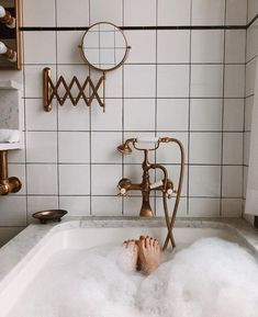 The Ludlow Hotel's Bathroom Will Have You Spending Vacation-The Ludlow Hotel's Bathroom Will Have You Spending Vacation in the Tub Ludlow Hotel, Das Hotel, Modern House Design, Bathroom Interior, Interior Paint, Bathroom Inspiration, Decor Inspiration, Decor Ideas, Sweet Home
