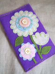 i don't need a pocket tissue case but i'd love to have a hoop or wallhanging like this - soooooo cute!