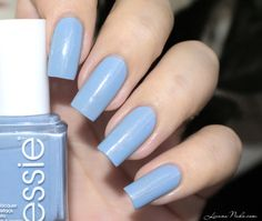 Essie - Rock The Boat [swatch] • LizanaNails