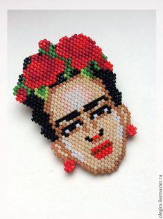 Frida Peyote Beading Patterns, Hama Beads Patterns, Beaded Jewelry Patterns, Pixel Crochet, Bead Crochet, Seed Bead Jewelry, Bead Jewellery, Hama Art, Frida Art