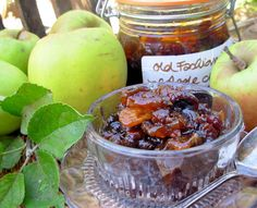 The Autumn Garden, Windfalls und Old Fashioned Scottish Apple und Ginger Chutney - Preserves Ginger Chutney Recipe, Apple Chutney, Chutney Recipes, Tomato Chutney, Chutneys, Best Cooking Apples, Tapas, Ginger Jam, Scottish Recipes