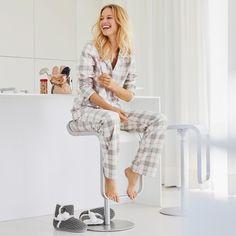 Quer tirar o pijama e não sabe com qual roupa ficar em casa