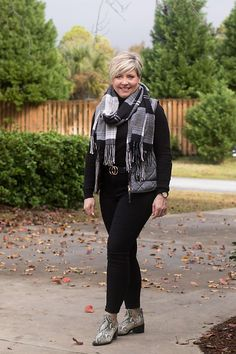 Fashion A to Z: Herringbone - Savvy Southern Chic : all black outfit with herringbone vest Casual Outfits, Fashion Outfits, Womens Fashion, Work Outfits, Jcrew Herringbone Vest, Southern Marsh, Southern Tide, Simply Southern, Southern Prep